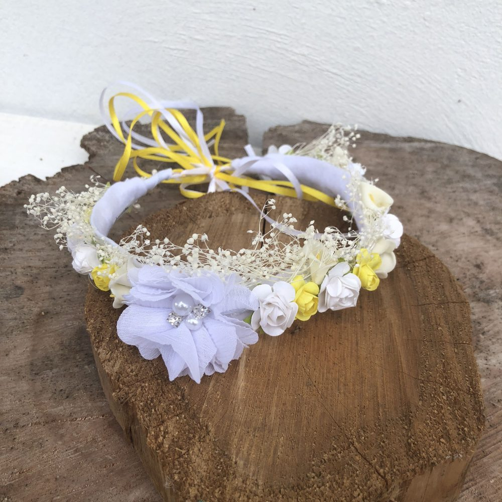 Corona Blanca y Amarillo con Flores