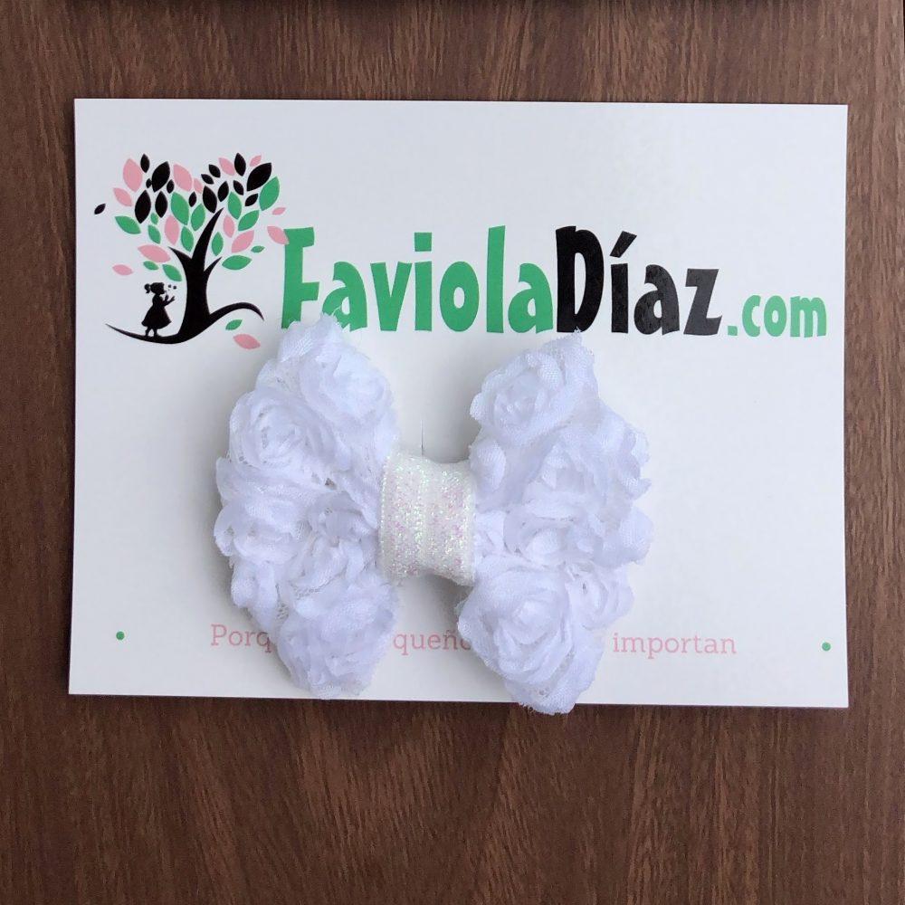 Prensa Blanca con Lazo de Rosas Alyson