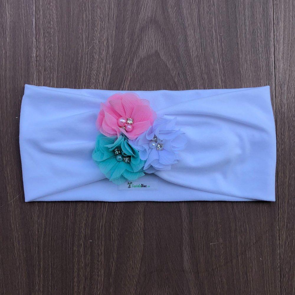 Vincha Turbante Blanca con Flores Menta, Blanca y Rosada