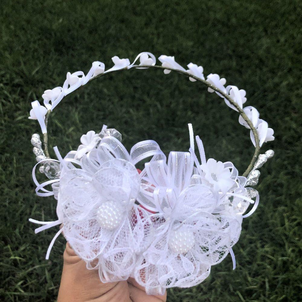 Corona Blanca con Flores Alanna