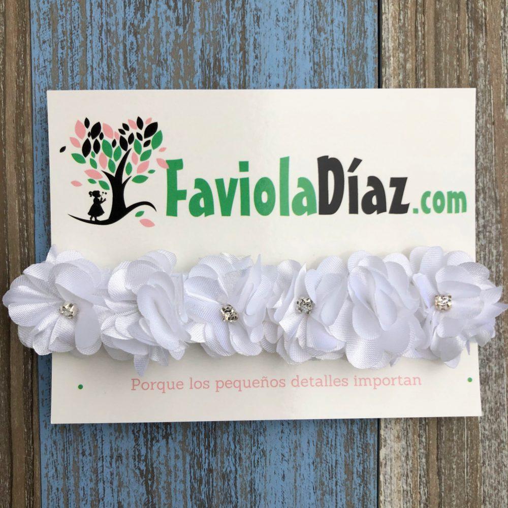 Vincha Blanca de Flores con Perlas Belén