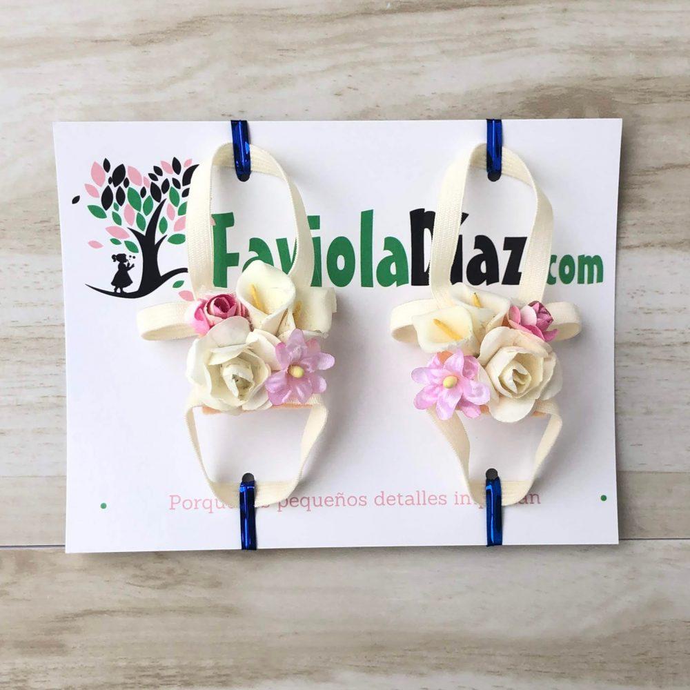 Sandalias Pie Descalzo con  Flores Rosadas y Beige