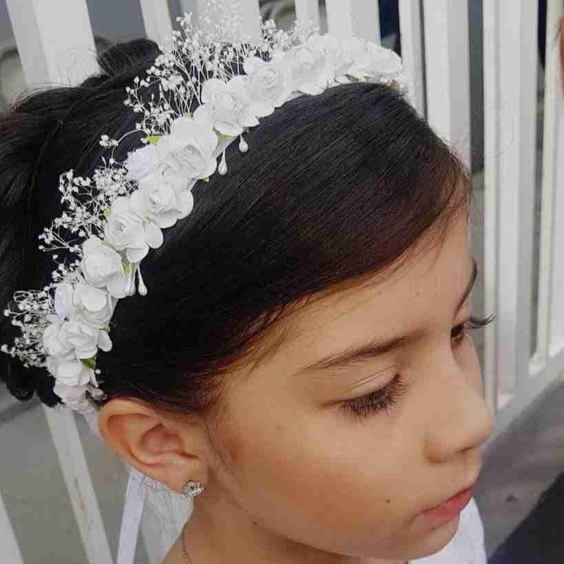 Corona Blanca con Flores
