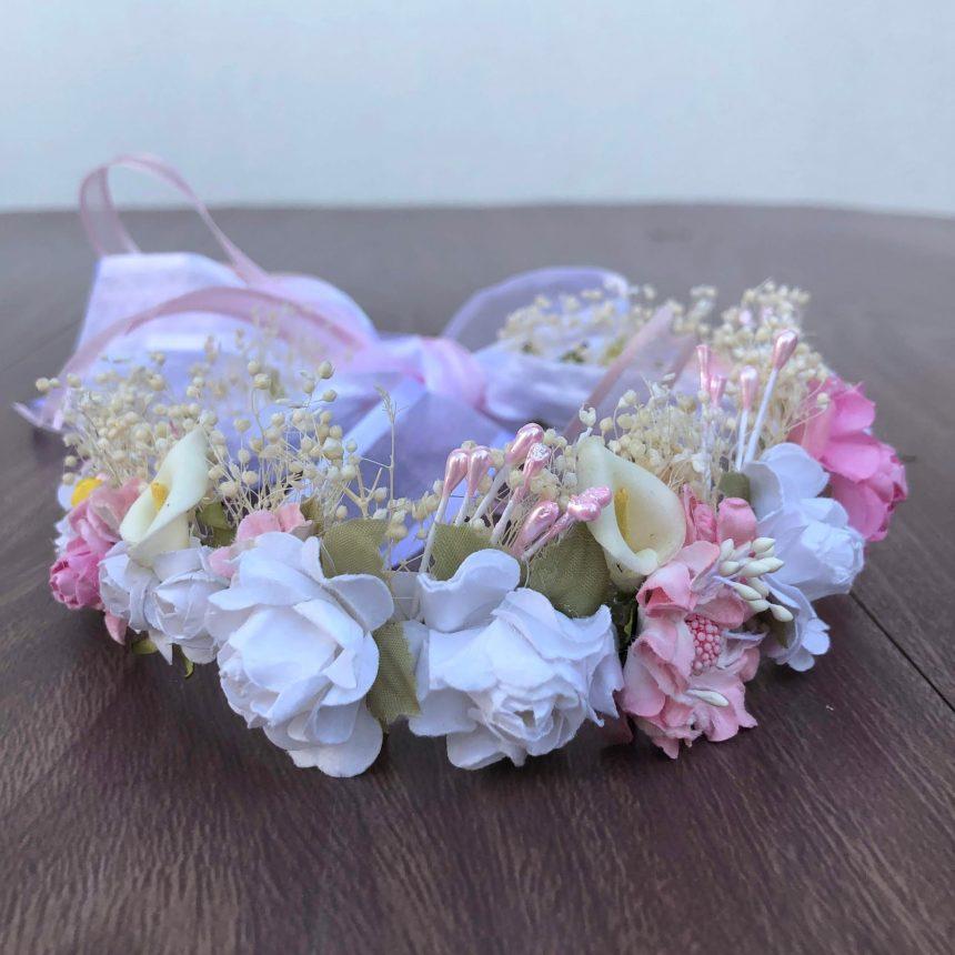Corona Blanca y Rosada con Flores Brenda