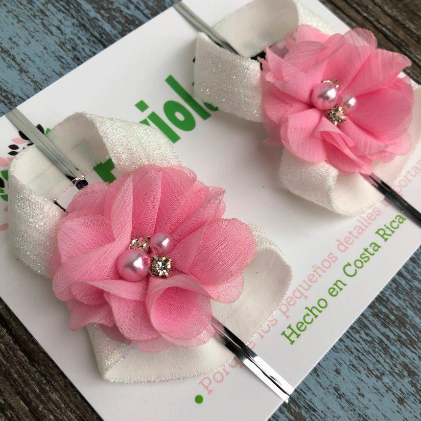 Sandalias Pie Descalzo Blancas con Flor Rosada